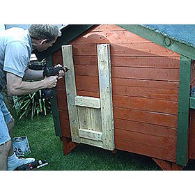 Pallet Wood Coop Plans (6-8 chickens)