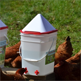 Drip-Free Nipple Waterer, 5 Gal w/No-Roost Cone (up to 30 chickens)