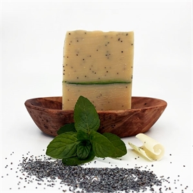 Peppermint & Poppy Seed Egg Yolk Soap